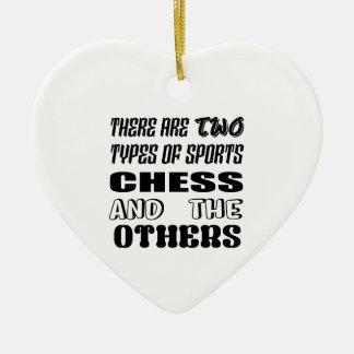 Ornement Cœur En Céramique Il y a deux types des échecs et de d'autres de