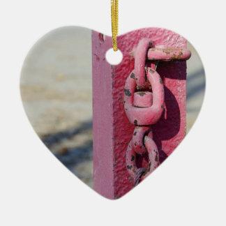 Ornement Cœur En Céramique Le pilier dans le parking pour le blocage
