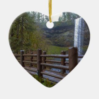 Ornement Cœur En Céramique Le pont en bois à l'argent tombe parc d'état