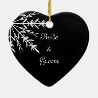 Ornement Cœur En Céramique Mariage noir et blanc d'hiver de flocon de neige