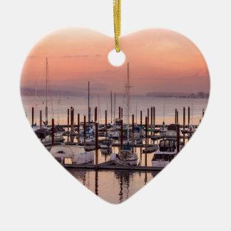 Ornement Cœur En Céramique Marina le long du fleuve Columbia au coucher du