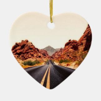 Ornement Cœur En Céramique Paysage de voyage de route de route de montagnes