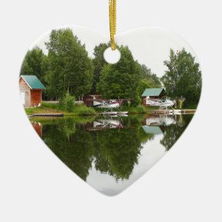 Ornement Cœur En Céramique Réflexions sur le capot de lac, Anchorage, Alaska