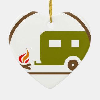 Ornement Cœur En Céramique Remorque et feu de camp du camping rv
