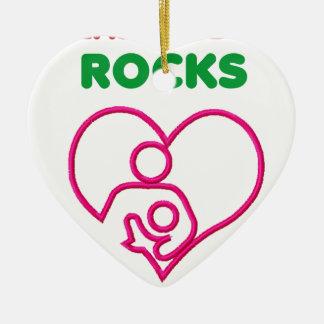 Ornement Cœur En Céramique roches d'allaitement au sein. Mère et cadeau de