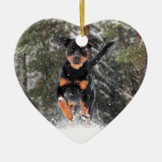 Ornement Cœur En Céramique Rottweiler Ornement-Courant dans la neige d'hiver