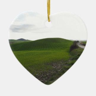 Ornement Cœur En Céramique Route de campagne au-dessus de rouler les collines