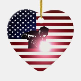 Ornement Cœur En Céramique Soudeuse et drapeau américain