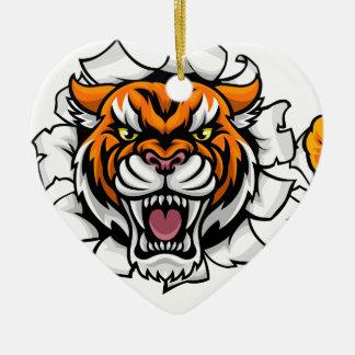 Ornement Cœur En Céramique Tigre tenant le ballon de football cassant