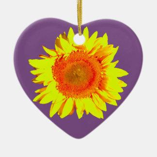 Ornement Cœur En Céramique Tournesol jaune sur un pourpre