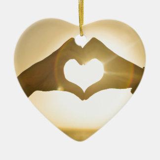 Ornement Cœur En Céramique Tout que vous avez besoin est amour
