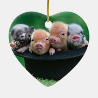 Ornement Cœur En Céramique Trois petits porcs - trois porcs - casquette de