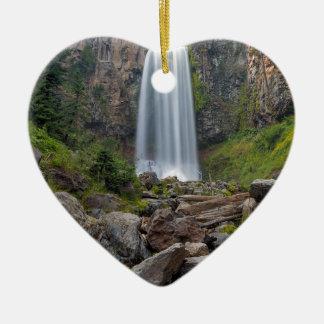 Ornement Cœur En Céramique Tumalo tombe plan rapproché