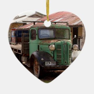 Ornement Cœur En Céramique Vieux camion vert
