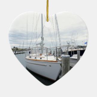 Ornement Cœur En Céramique voilier dans le port