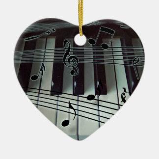 Ornement de clavier de piano de coeur