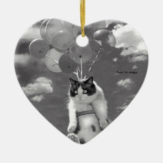 Ornement de coeur : Vol drôle de chat avec des