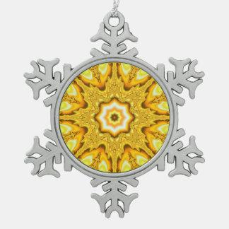 Ornement de flocon de neige de fractale d'étoile