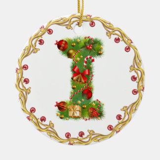 ornement décoré d'un monogramme de Noël de