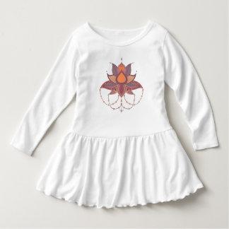 Ornement ethnique de mandala de lotus de fleur robe manches longues