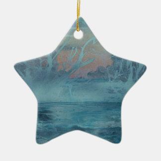 Ornement Étoile En Céramique Arbres congelés dans le lac brumeux