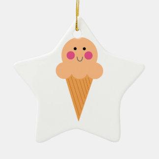 Ornement Étoile En Céramique Conception de crème glacée sur le blanc