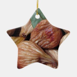 Ornement Étoile En Céramique Fruits d'automne. Plan rapproché des figues sèches