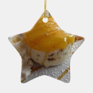 Ornement Étoile En Céramique Gâteau couvert par confiture de crème glacée