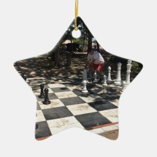Ornement Étoile En Céramique Jouer aux échecs dans Bali