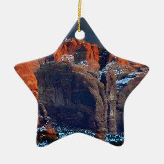 Ornement Étoile En Céramique le désert foncé bascule des formes