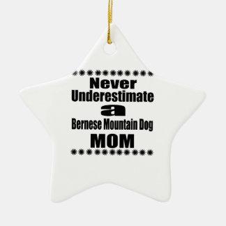 Ornement Étoile En Céramique Ne sous-estimez jamais la maman de chien de
