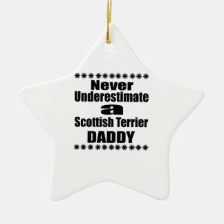 Ornement Étoile En Céramique Ne sous-estimez jamais le papa de Terrier