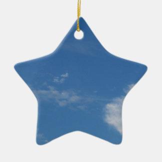 Ornement Étoile En Céramique nuages bleu-foncé de blanc de ciel