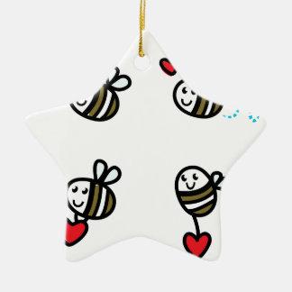 Ornement Étoile En Céramique Peu d'abeilles de vol sur le blanc