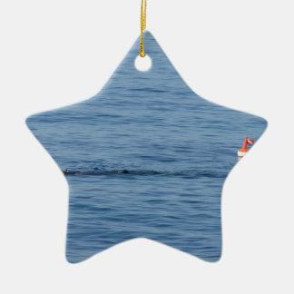 Ornement Étoile En Céramique Plongeur de mer dans le bain de costume de