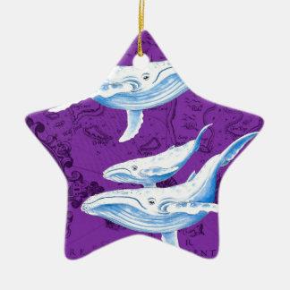 Ornement Étoile En Céramique Pourpre de famille de baleines bleues