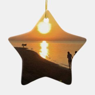 Ornement Étoile En Céramique Promenade de matin sur la plage