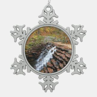 Ornement Flocon De Neige Cascade au parc d'état de colline de laurier II