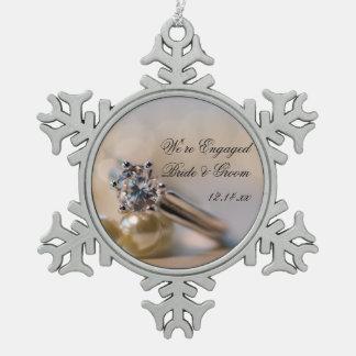 Ornement Flocon De Neige Fiançailles de bague à diamant et de perles