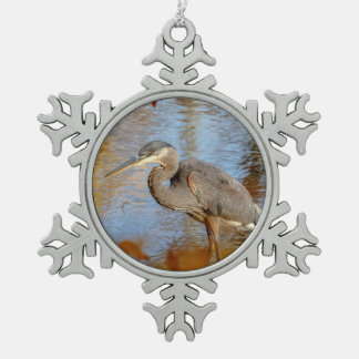 Ornement Flocon De Neige Héron de grand bleu encadré avec le feuillage