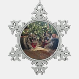 Ornement Flocon De Neige Keeshond avec l'arbre de Noël