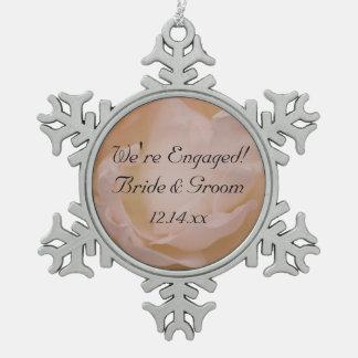 Ornement Flocon De Neige Pâlissez - le fiançailles floral de rose de rose