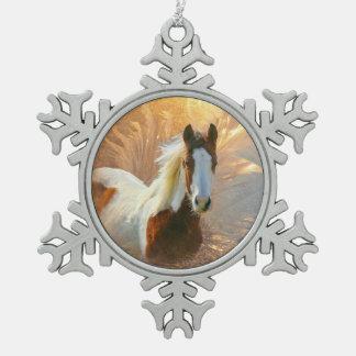 Ornement Flocon De Neige Peignez l'ornement de flocon de neige d'étain d'or