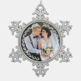 Ornement Flocon De Neige Photo décorée d'un monogramme de cadre vintage