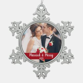 Ornement Flocon De Neige Rouge marié et joyeux de photo de mariage