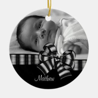Ornement noir et blanc de bébé de photo