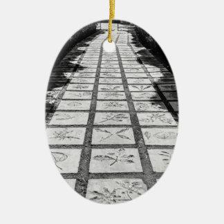 Ornement Ovale En Céramique Allée en pierre de chemin