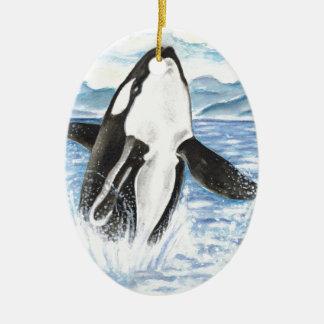 Ornement Ovale En Céramique Aquarelle ouvrant une brèche la baleine d'orque