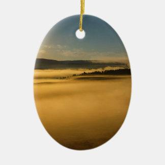 Ornement Ovale En Céramique Brouillard sur le lac Yellowstone