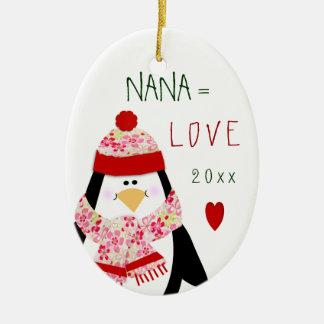 Ornement Ovale En Céramique Cadeau de Noël de pingouin de NANA de 2017 amours